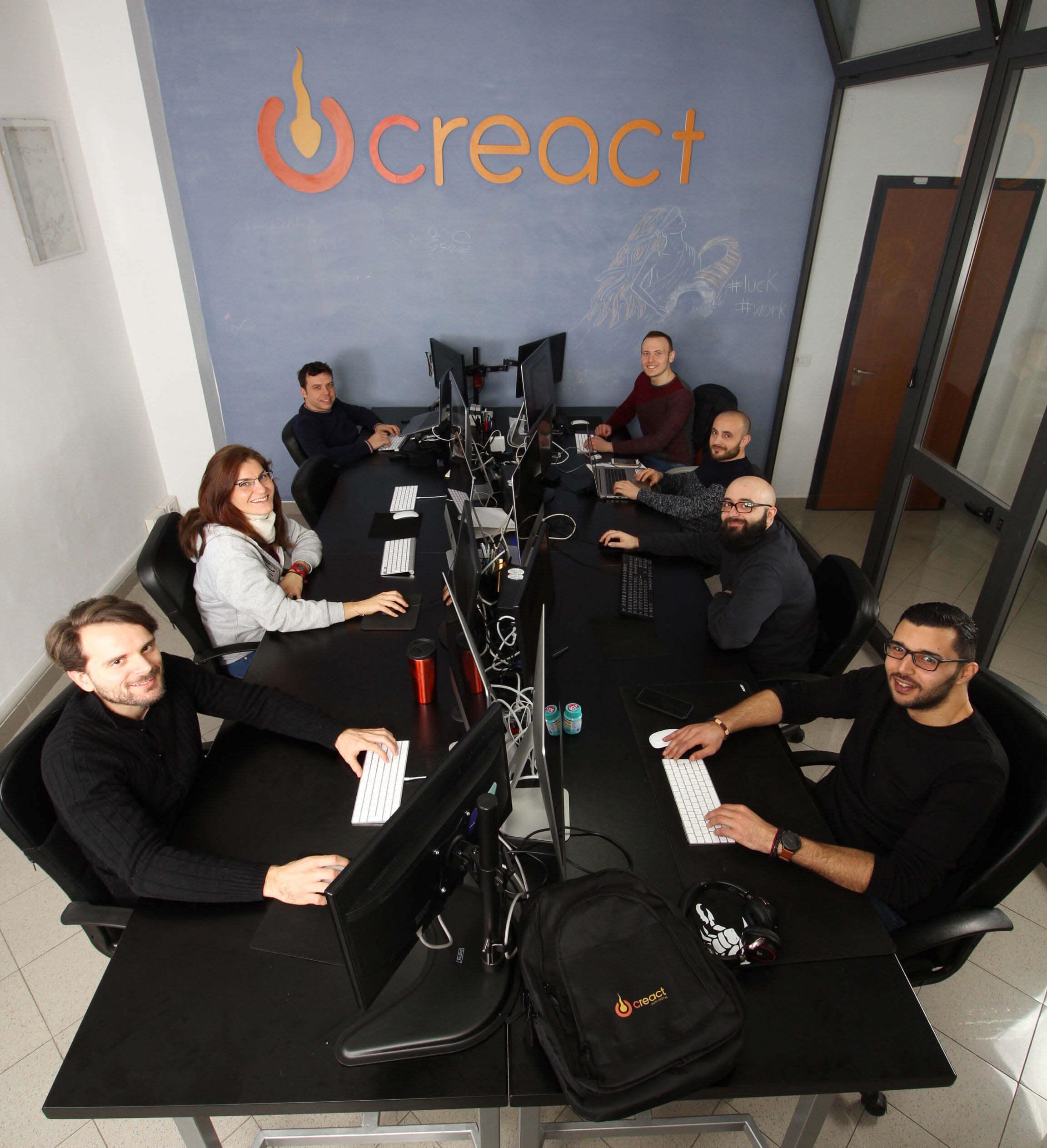 Team Creact a lavoro in ufficio